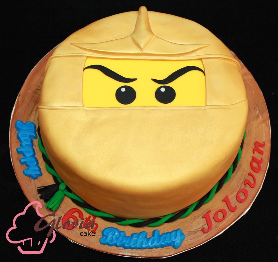 Golden Ninjago Cake Gloria