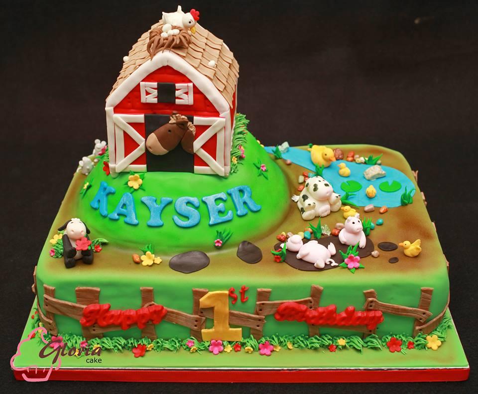 Barnyard   Gloria Cake