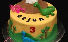 Dinosaurs Birthday Cake